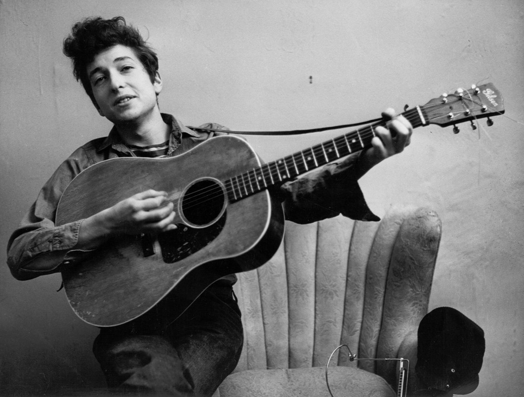 باب دیلن سکوت خود را شکست