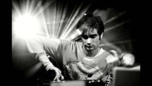 جان هاپکینز: موسیقی الکترونیک، پر از عواطف انسانی