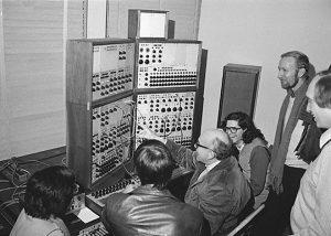 موسیقی الکترونیک چیست؟