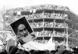 فریدون آسرایی: «بهمن خونین جاویدان» را مردم ماندگار کردند